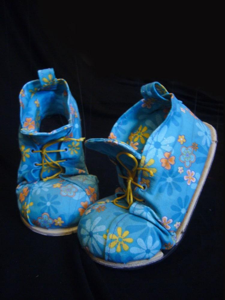 Petites chaussures - Marionnettes à fils