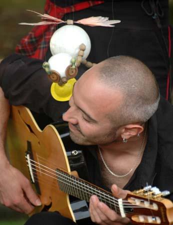 Mr Ploc et le guitariste